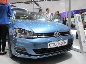 Volkswagen Golf Ön