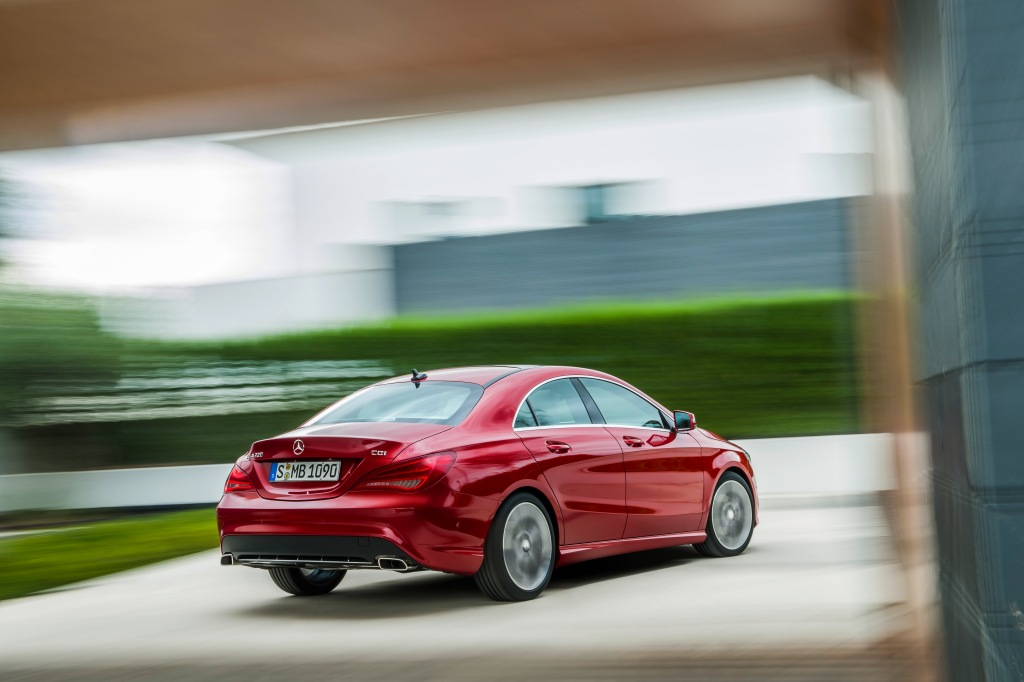 Mercedes-Benz CLA Arka
