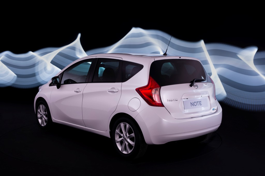 Nissan Note Arka
