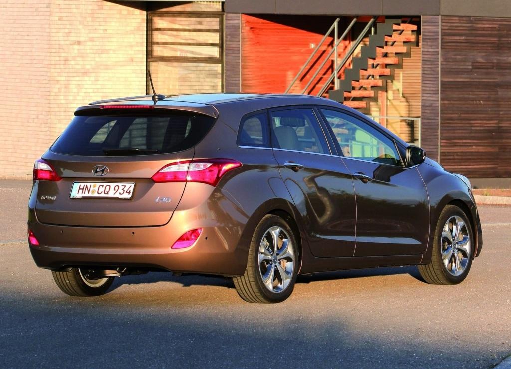Hyundai i30 CW Arka 2