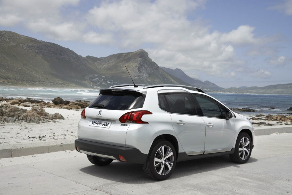 Peugeot 2008 Arka