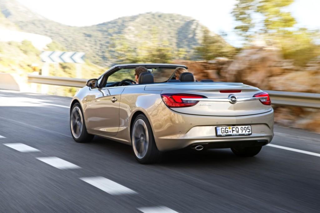 Opel Cascada Arka