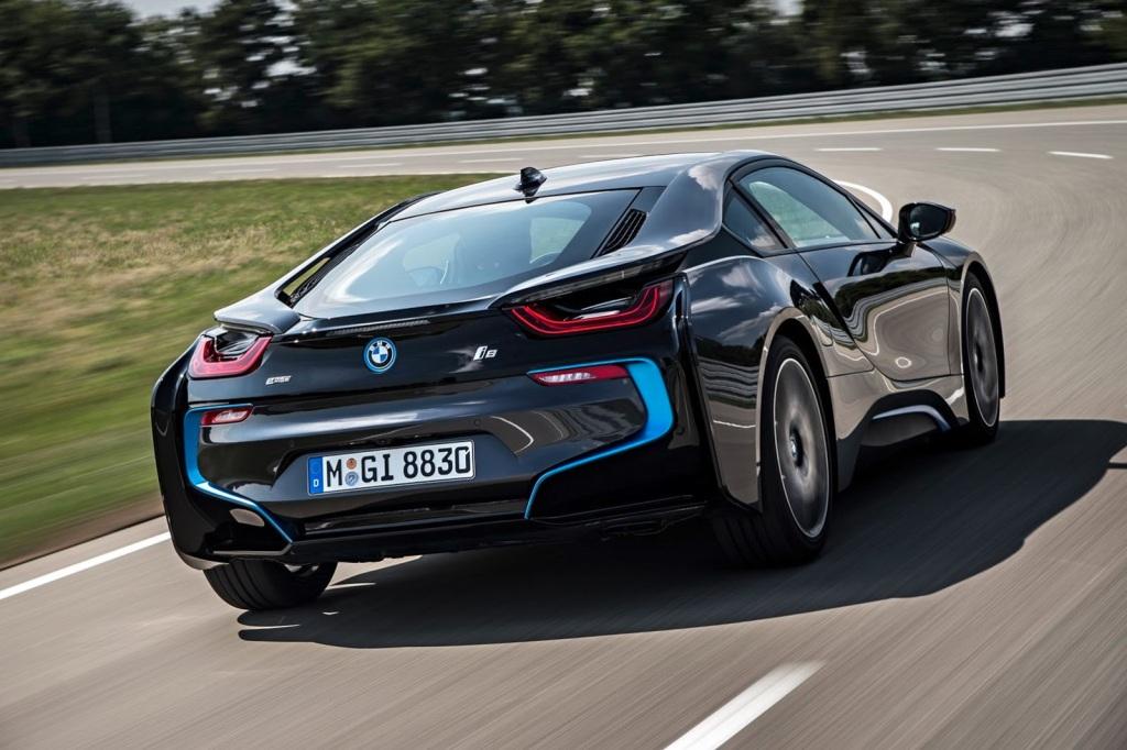 BMW i8 Arka