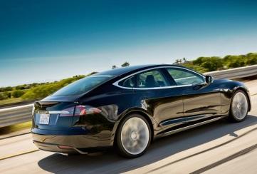 Tesla Model S Arka