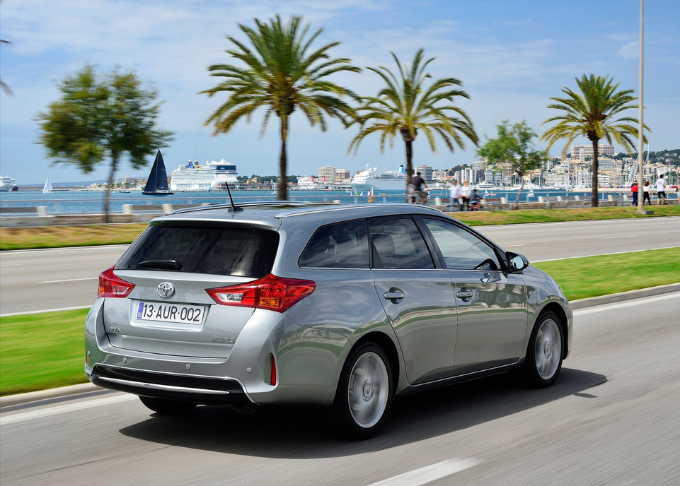 Toyota Auris Touring Sports Arka