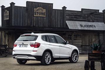 BMW X3 Arka