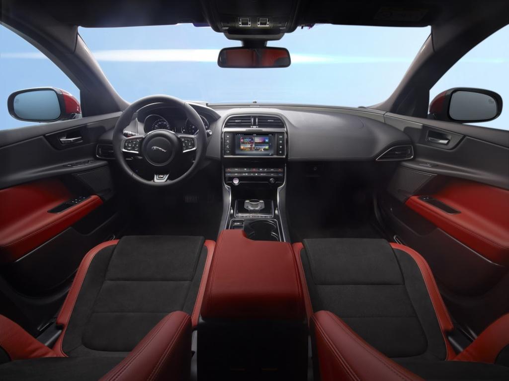 Jaguar XE İç
