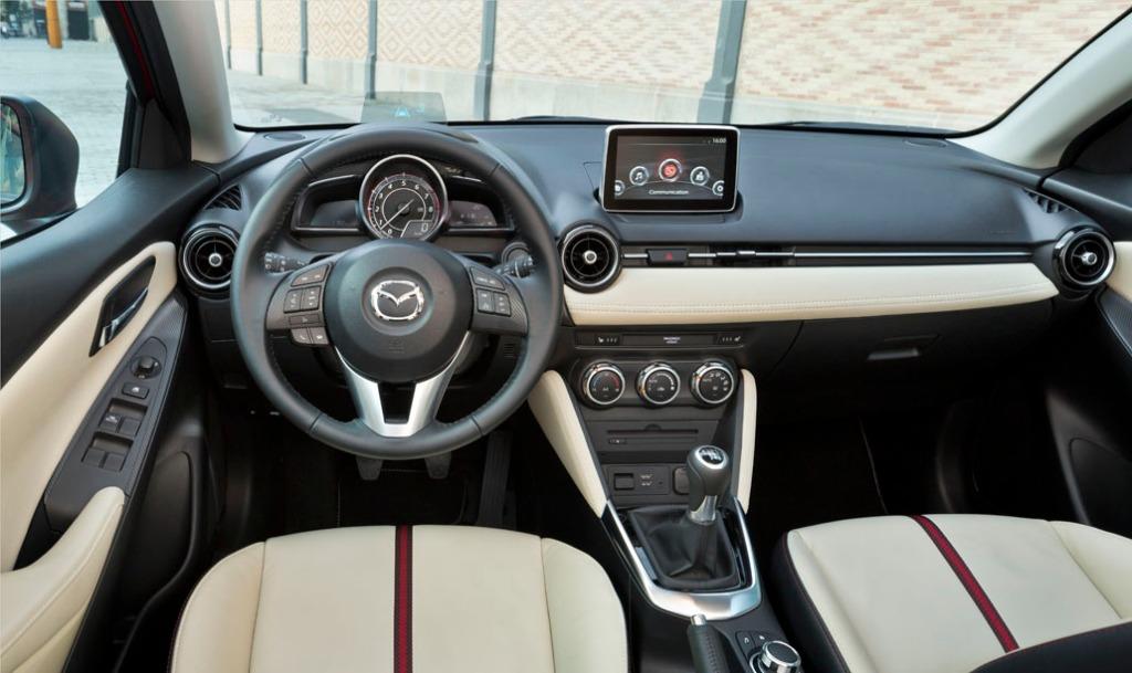 Mazda2 İç