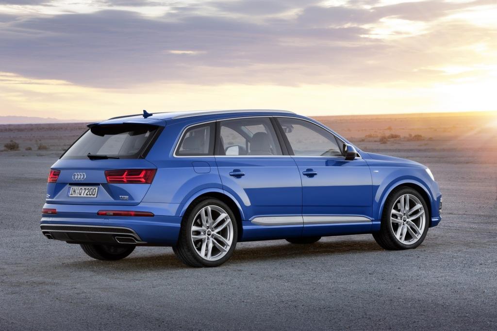 Audi Q7 Arka 2