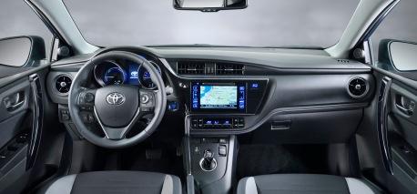 Toyota Auris Hybrid İç