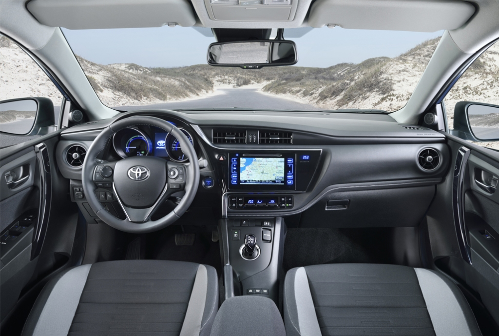 Toyota Auris İç