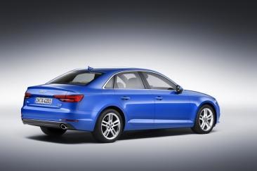 Audi A4 Arka
