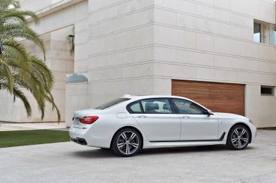 BMW 7-Serisi Arka