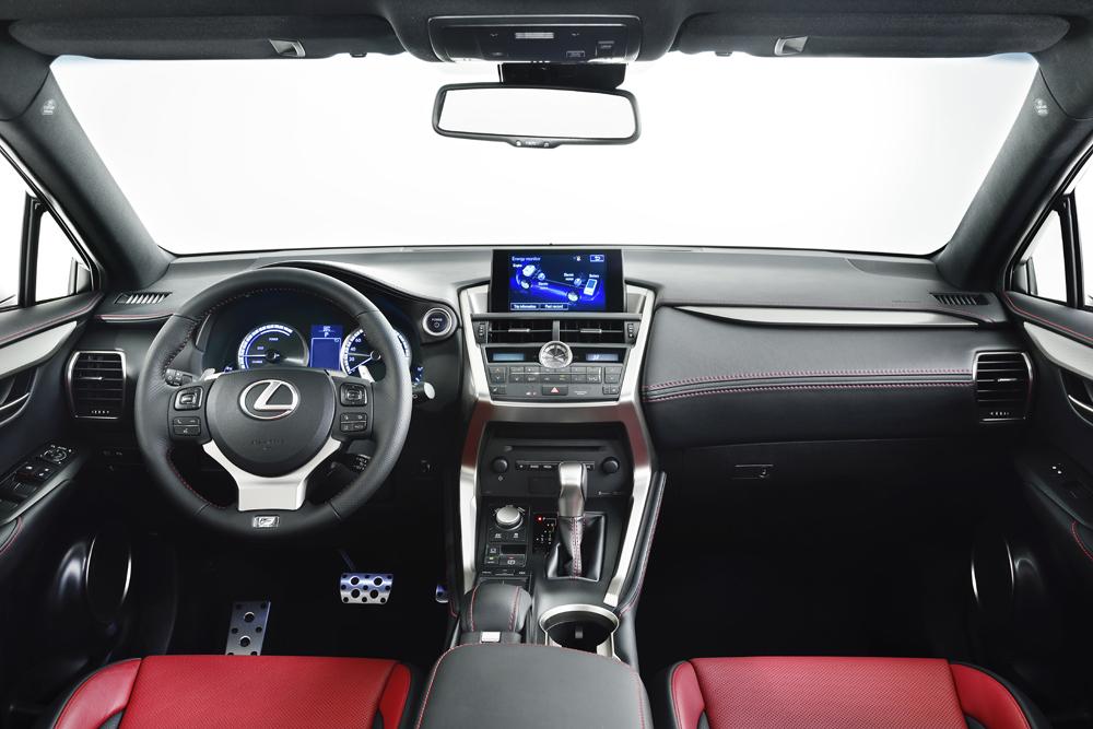Lexus NX İç