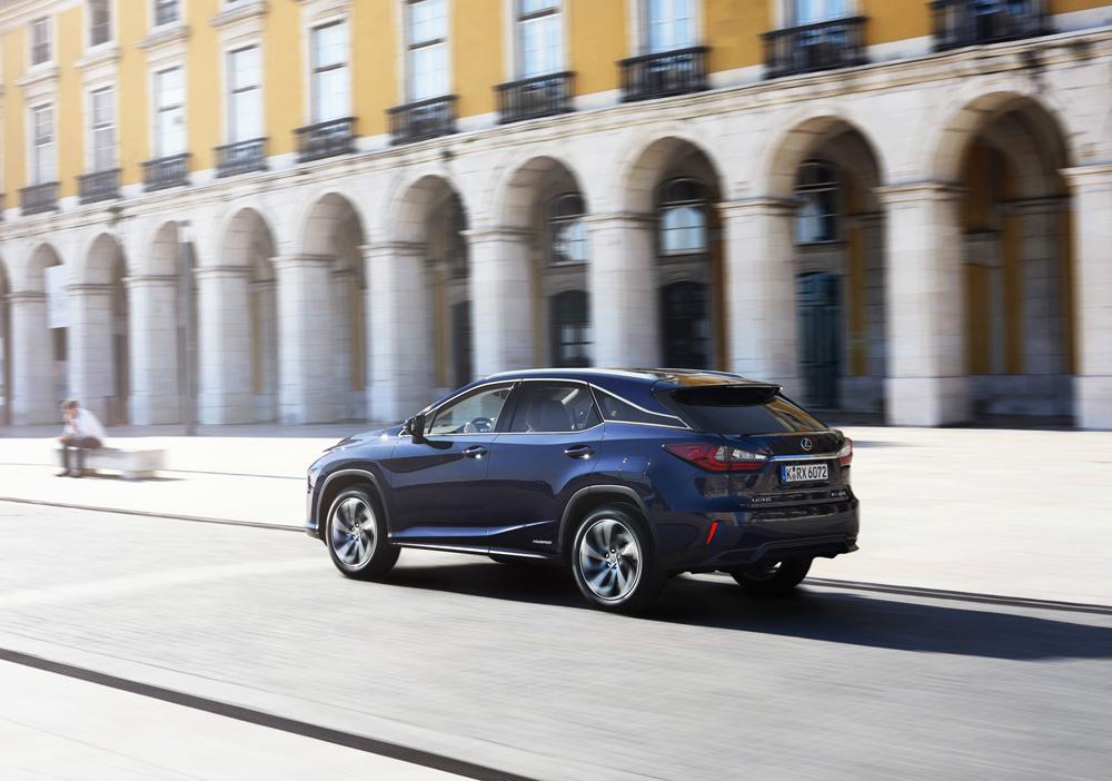 Lexus RX Arka