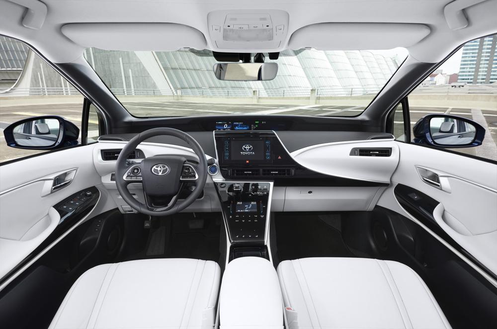 Toyota Mirai İç