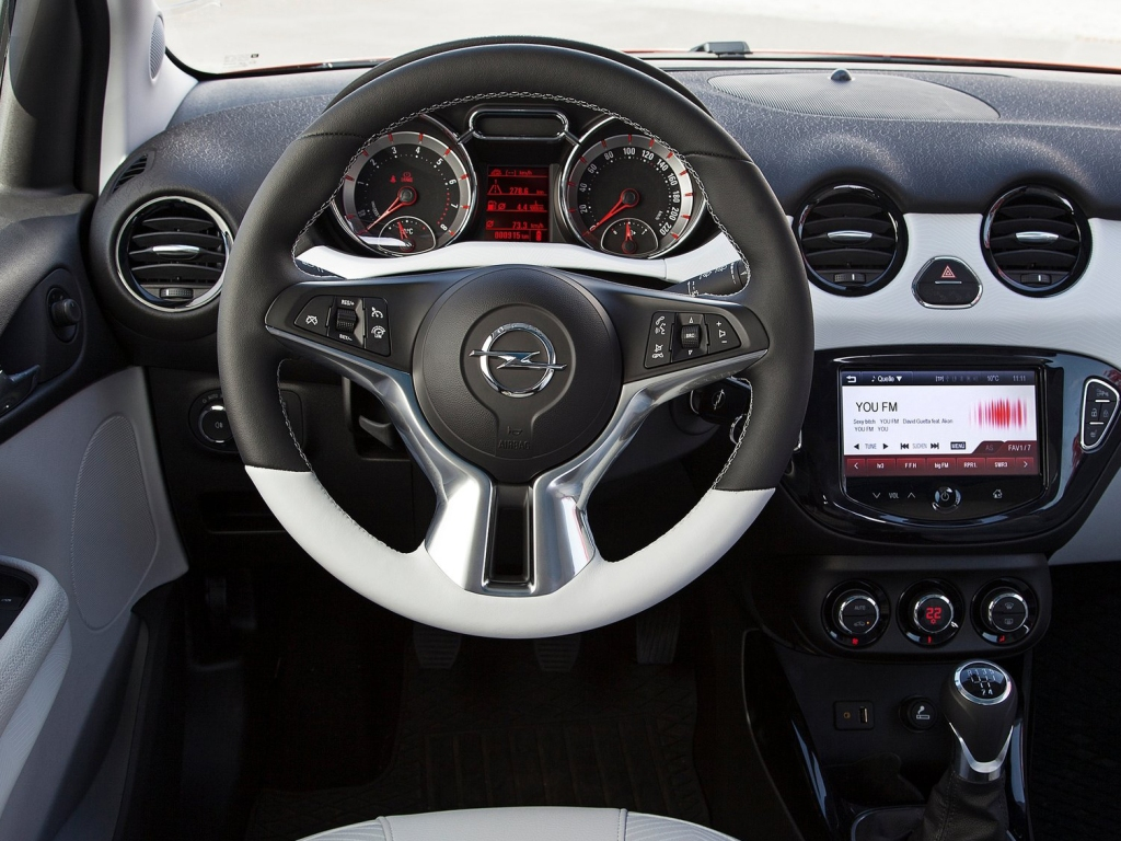 Opel ADAM ROCKS İç