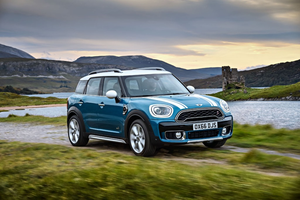 mini-countryman-on