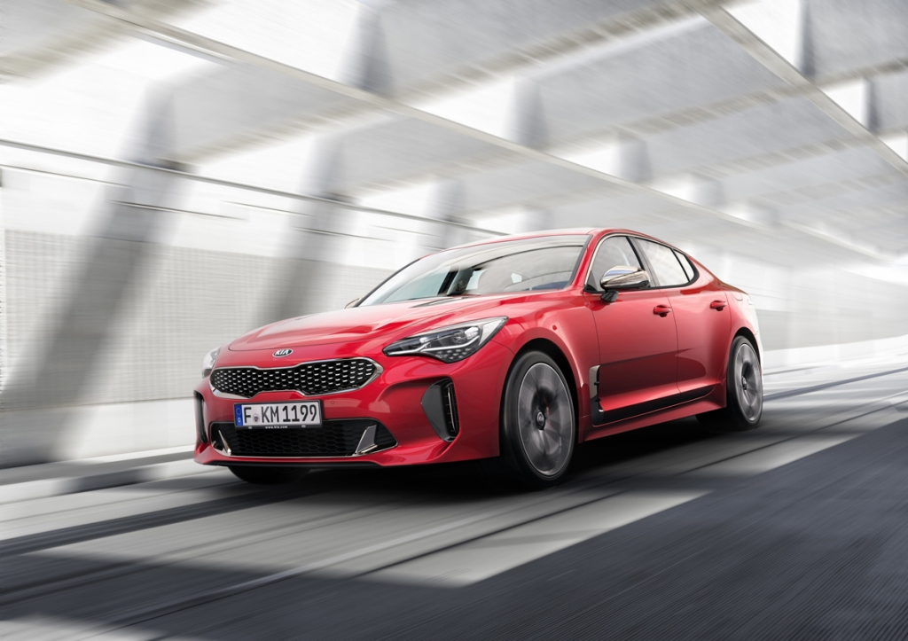 kia-stinger-on